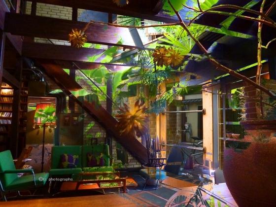 *kyoto cafe  bibliotic hello.jpg